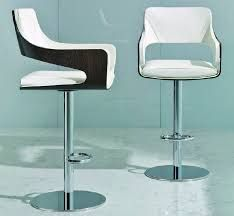 SILHOUETTE by Luca Scacchetti - Leather bar chair / contemporary / central base / swivel by I 4 Mariani Counter Height Chairs, Bar Chairs, Bar Stools, Dining Chairs, Spa, Chaise Bar, Chair Fabric, Chair Design, Furniture Design