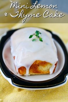 These little lemon loaves with ricotta and thyme are sweet and lemony with a slight herbal undertone from the thyme. Tea Cakes, Mini Cakes, Cupcake Cakes, Cupcakes, Light Desserts, Easy Desserts, Fruit Recipes, Dessert Recipes, Cupcake Recipes
