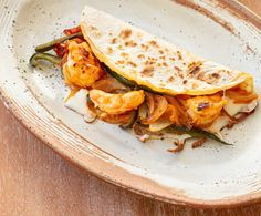 A tasty family favourite Fried Shrimp, Shrimp Tacos, Shrimp Recipes, Mexican Food Recipes, Ethnic Recipes, Healthy Meats, Healthy Recipes, Marilyn Denis Recipes, Dinner Menu