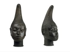 Idia was the mother of Esigie, the Oba of Benin who ruled from 1504 to 1550. Image: frontal and side view. Ancient Artefacts, Queen Mother, Side View, Troops, Reign, Knight, Architecture, Image, Arquitetura