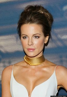 Kate Beckinsale Rocks The Choker Trend On The Red Carpet