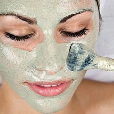 Face Mask Recipes for Radiant Skin 10 AMAZING Homemade Face Mask Recipes! I love using DIY natural hair and skin AMAZING Homemade Face Mask Recipes! I love using DIY natural hair and skin products. Homemade Facial Mask, Homemade Facials, Homemade Masks, Homemade Moisturizer, Homemade Products, Spa Tag, The Face, Get Rid Of Blackheads, Pimples