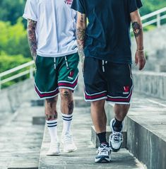 casual mens fashion that is trendy! Streetwear Shorts, Mode Streetwear, Streetwear Fashion, Mode Dope, Stylish Mens Fashion, Men's Fashion, Skate Fashion, Fashion Tips, Urban Style Outfits