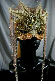 beaded mask by Melissa Grakowski Shippee