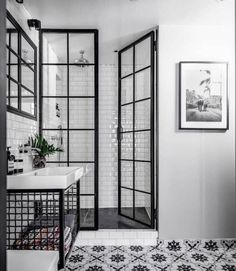 Bathroom Inspiration : Fayola Decor - Decoration For Home Bathroom Renos, White Bathroom, Bathroom Renovations, Bathroom Interior, Modern Bathroom, Home Remodeling, Bathroom Ideas, Bathroom Cabinets, Bathroom Tray