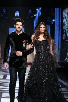 #SoorajPancholi and #AthiyaShetty walks for #Falguni and #Shane Peacock at #BMWIBFW2015
