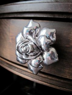 Rose Dresser Drawer Knobs - Decorative Knobs In Silver Metal (mk112)