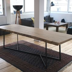 Table_repas_grande_8_10_personnes_manger_bois_chene_massif_brut_loft_mobilier_sur_mesure_design_contemporain_fabriquer_france_made_in_mano_recycling_paris_francais_04