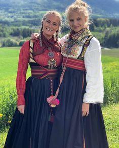 For en helg💃🏼🇳🇴 Gratulerer så mye , du er UNIK ❤️🇳🇴 Glad i deg😍 - - - - - - - - - - - - - - - - - - - - - - - - - - - - - - - -… Costumes Around The World, Medieval Clothing, Folk Costume, Norway, My Girl, Scandinavian, Doll Clothes, Folklore, Anna