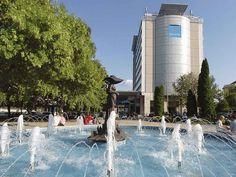 NOVOTEL SZEGED: Posez vos bagages à l'hôtel 4étoiles Novotel Szeged installé sur les rives du Tisza, à quelques minutes à pied du centre.…