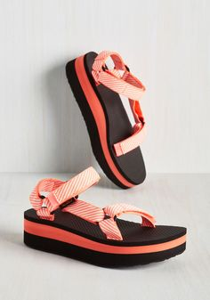 I Wanna Walk With You Sandal in Neon Coral. 'Walk' the night away in these neon coral and black flatform sandals from Teva! #coral #modcloth