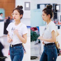 Jennie kim Blackpink w/ galssese Cute!! :*