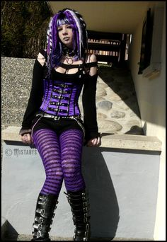 Cyber goth - I believe I own this outfit. This outfit is friggin' awesome! Hot Goth Girls, Gothic Girls, Gothic Lolita, Dark Fashion, Gothic Fashion, Steam Punk, Cosplay, Rockabilly, Chica Dark