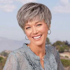 Best Short Haircuts for Older Women-7