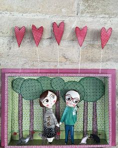Creations of papier maché by Mariapia Gambino www.fattidicarte.com #mariapiagambino #fattidicarte #papiermache #cartapesta #faenza #italy #handmade #paperartwork #paperart #portraits #familyportrait #dolls