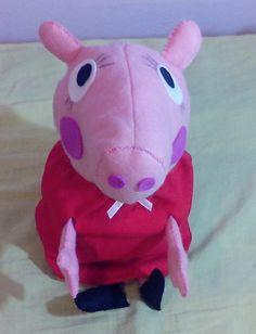 Peppa Pig em feltro 36 cm de altura, forrada com fibra sintetica, bem fofinho. R$ 45,00