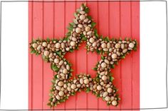 20 Unique Christmas Wreaths For Your Entrance