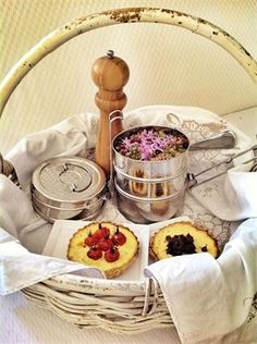 LOVE MY FOOD - PICNIC RESTAURANT Picnic Restaurant, Vintage Picnic, I Foods, Catering, My Love, Catering Business, Gastronomia