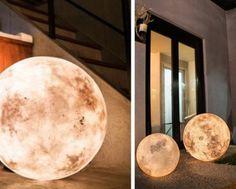 Luna – The Ultimate Night Light