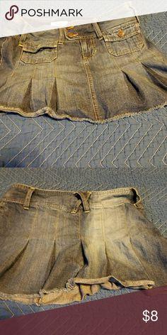 Women Old Navy Mini skirt size 4 Denim two-toned mini Old Navy Skirts Mini