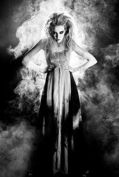 Model Marije Jongbloed Fotografie Rene Veldhuis Jurk Religion Clothing UK beschikbaar gesteld door Klaes & Myra's