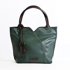 Bolso de Mano Borlas - El Montes Fashion, Women's Handbags, Hands, Women, Moda, Fashion Styles, Fasion