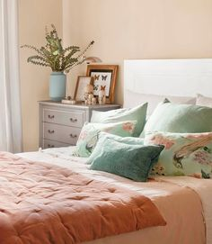 Recursos para cambiar de habitación: de niños a adolescentes – Deco Ideas Hogar Bedroom Color Schemes, Bedroom Colors, Cozy Bedroom, Bedroom Decor, Indian Bedroom, Relaxation Room, Home Decor Furniture, Beautiful Bedrooms, New Room