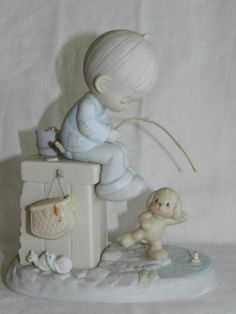 Ideal Image, Precious Moments Figurines, Image Gifts, Wood Vinyl, Collectible Figurines, Little People, Stars And Moon, Happy Day, Wood And Metal