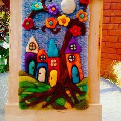 Größere Mhaisiu decoraciones Claudia – agujado , y de – Kreativ Loom Weaving, Tapestry Weaving, Wet Felting, Needle Felting, Yarn Crafts, Felt Crafts, Fiber Art Quilts, Felt Pictures, Vintage Jewelry Crafts