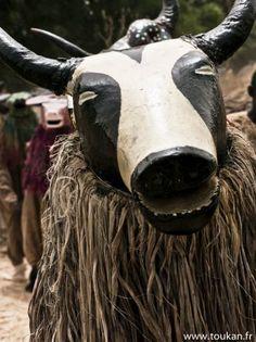 Africa | Senufo Dozo Funeral Ceremony, Burkina Faso | ©Toukan