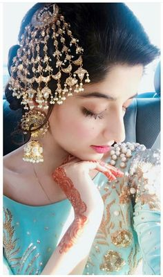 56 Ideas Pakistani Bridal Headpiece Jewelry For 2019 Asian Bridal Jewellery, Pakistani Jewelry, Bridal Jewelry, Pakistani Clothing, Desi Wedding, Wedding Wear, Wedding Bride, Headpiece Jewelry, Tikka Jewelry