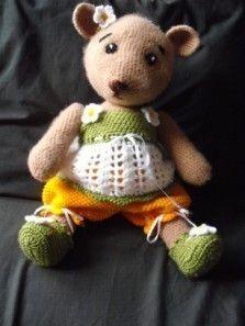 'Lazy Maisie' Teddy Bear Crochet Pattern