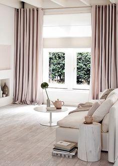 Un intérieur tout en rose poudrée dans une ambiance scandinave  pour ramener du rose et du blanc = lumière Pour le salon/sàm