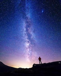 Don't let life pass you by. There's a whole universe to explore! Get out there and #liveyourquest! Epic night sky shot at Mt. St. Helens by #aqambassador @robbyzabala #nightsky #aqwaterproof