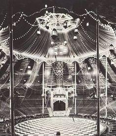 Vintage Circus, Old Circus, Dark Circus, Circus Art, Night Circus, Circus Theme, Circus Tents, Vintage Carnival, Big Top Circus