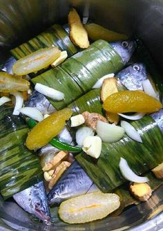 How to cook sinaing na tulingan recipe filipino fish recipes sinaing na tulingan pinoy foodfilipino forumfinder Gallery