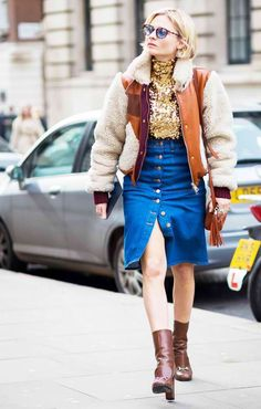 Pandora Sykes street style denim skirt The Trend Taking Over the Fashion World: Button-Front Skirts Denim Fashion, Star Fashion, Fashion Photo, Fashion Outfits, Womens Fashion, Fashion Trends, Street Fashion, Fashion Bloggers, Runway Fashion