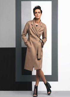 Что посмотреть в коллекциях осень-зима 2015/2016?: [b]BSBY[/b] В новой коллекции осень-зима 2015/16 более 25 моделей пальто самых разных силуэтов и цветов, демисезонных и