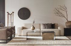 The art for the space is in the ratio for the furniture. Home Living Room, Interior Design Living Room, Living Room Designs, Living Room Decor, Wabi Sabi, Elegant Living Room, Small Living Rooms, Monochromatic Living Room, Beige Living Rooms