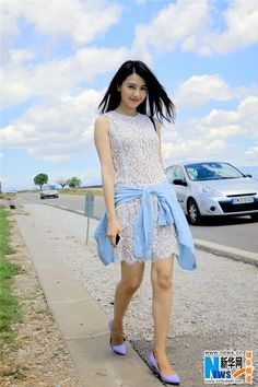 Street shots of Gao Yuanyuan in Europe | China Entertainment News