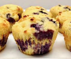 Recipes Breakfast Low Carb Blueberry Lemon Muffins - Keto, Low Carb & Gluten Free Light and fluffy muffins studded with sweet blueberries and a hint of freshness from lemon zest! Keto Blueberry Muffins, Lemon Muffins, Blue Berry Muffins, Cheesecake Fat Bombs, Keto Cheesecake, Healthy Low Carb Recipes, Low Carb Desserts, Morning Glory Muffins, Stevia