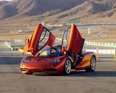 THE 10 MOST EXPENSIVE CARS IN THE WORLD  4. McLaren F1 $970,000.