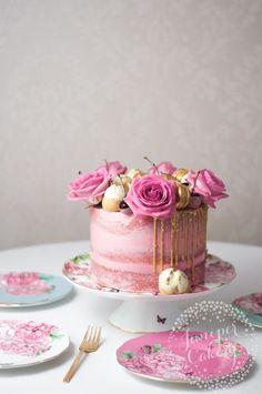 Cherry cake recipe by Juniper Cakery Pretty Cakes, Cute Cakes, Beautiful Cakes, Amazing Cakes, Best Chocolate Cupcakes, White Chocolate Cake, Buttercream Decorating, Cake Decorating, Cherry Cake Recipe