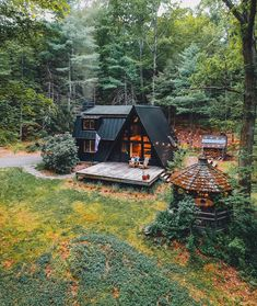 So stoked to be heading back to in the Catskills this weekend for sizzling cookouts, summer drinks and late night campfires. Cabins In The Woods, House In The Woods, A Frame House, Forest House, Forest Cottage, Mountain Cottage, Cabins And Cottages, Tiny House Design, Cabin Homes