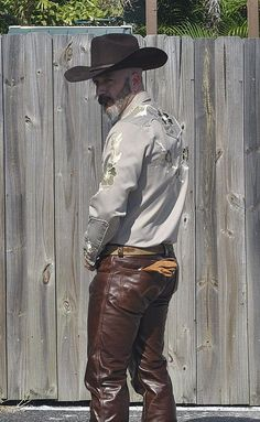 Tight Leather Pants, Leather Jeans, Brown Leather, Leather Fashion, Mens Fashion, Hot Country Boys, Cowboy Love, Hot Cowboys, Leder Outfits