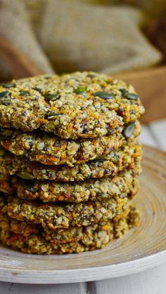 Gluten-Free & Vegan Carrot, Pumpkin Seeds & Chia Seeds Cookies - Ninja Kitchen - - A delicious and protein-packed vegan and gluten-free cookie, packed with fresh carrots and sweet cinnamon. These cookies are a fantastic. Pumpkin Seed Recipes, Pumpkin Seed Butter, Toasted Pumpkin Seeds, Healthy Meals For Kids, Good Healthy Recipes, Raw Food Recipes, Healthy Eating, Healthy Foods, Healthy Lunches