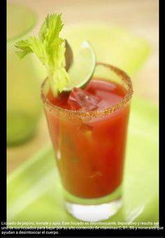 Licuado de Pepino, tomate y apio