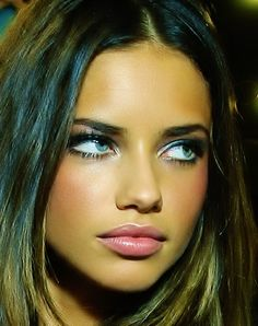Adriana Lima Without Makeup. Everyone knows about Adriana Lima.She is Gorgeous Brazilian Model and Actress.its true Hollywood Industry gives. Beauty Make-up, Beauty Hacks, Hair Beauty, Beauty Style, Beautiful Eyes, Most Beautiful Women, Beautiful People, Absolutely Gorgeous, Dead Gorgeous
