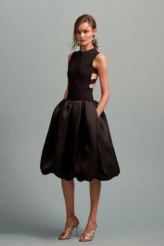 Oscar de la Renta, Look #33 If only I had a reason to wear this! ❤️