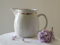 Ceramic Pitcher, Ceramic Cups, Ceramic Pottery, Vintage Pottery, Vintage Ceramic, Yellow Coffee Cups, Japanese Pottery, Retro Home Decor, Carafe